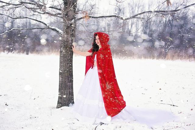 Ako si vybrať perfektnú dámsku pláštenku či kabát