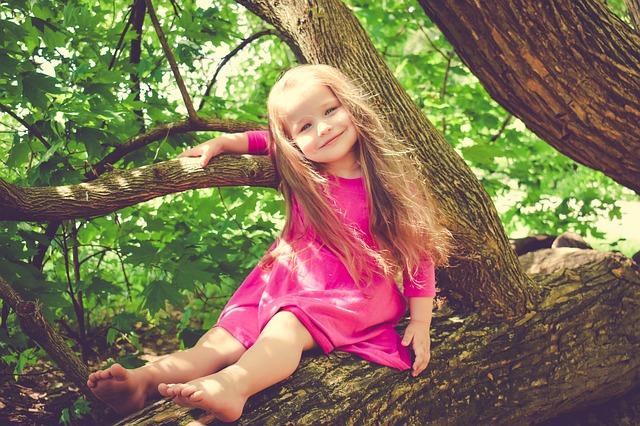 Dieťa a leto: odpočinok bez komárov a bolesti brucha