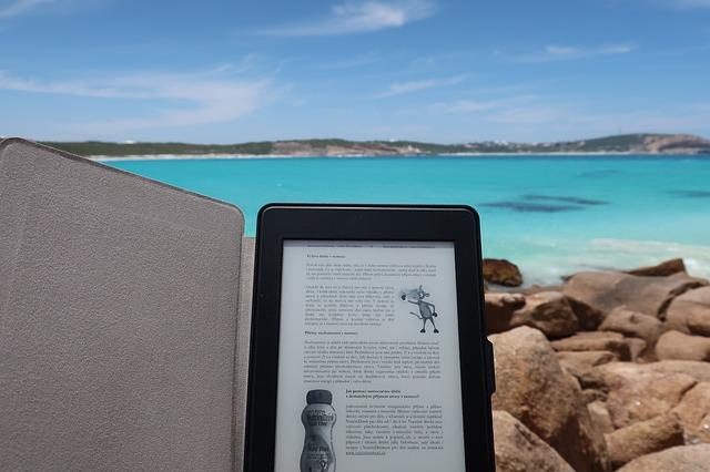 čítanie na pláži.jpg
