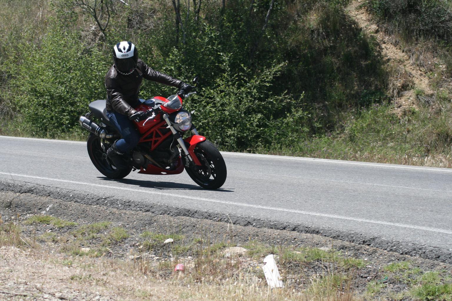 Čo motorkár, to iný typ moto-prilby