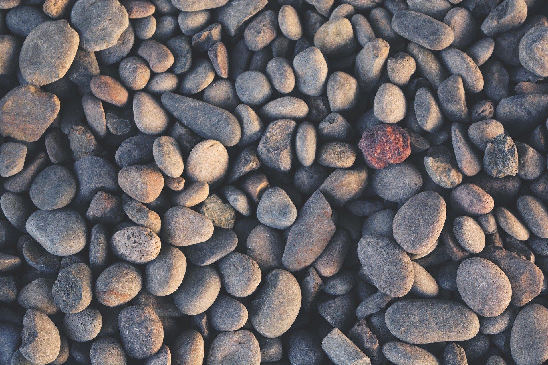 pebbles-984028_1920