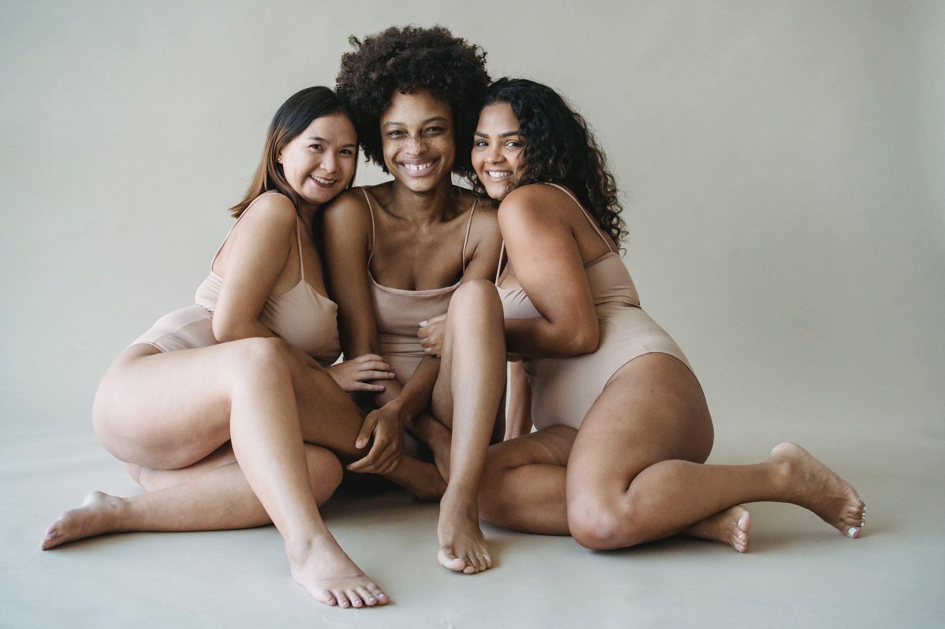 tri ženy